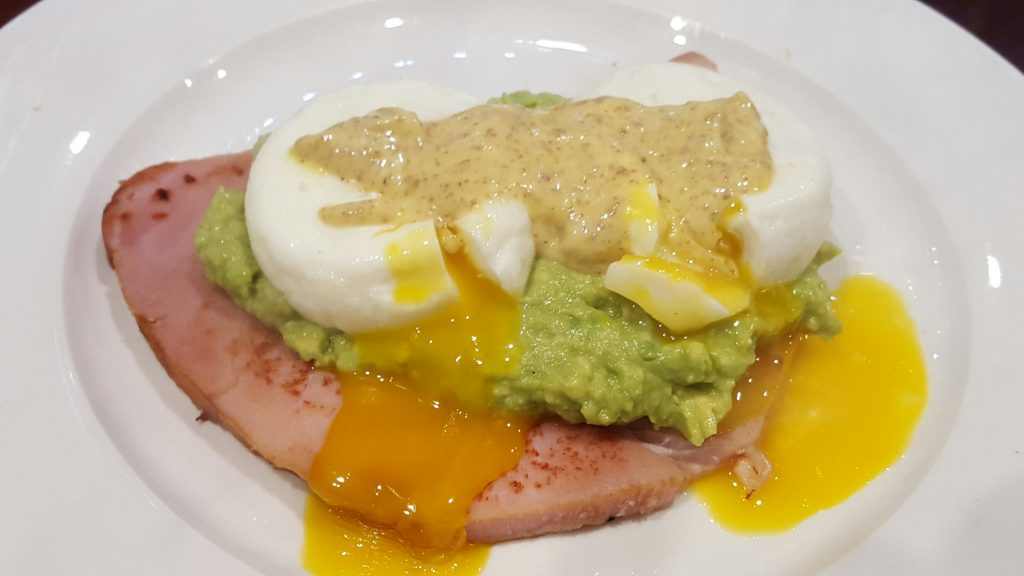 Eggs Benedict - the healthy way!