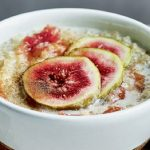 quinoa-porridge-with-figs-and-raspberries