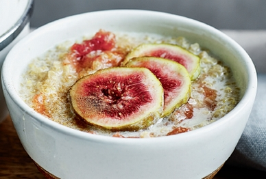 031120fig and cinnamon quinoa porridge